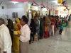 people-queing-up-to-offer-their-prayers-at-the-samadhi-2
